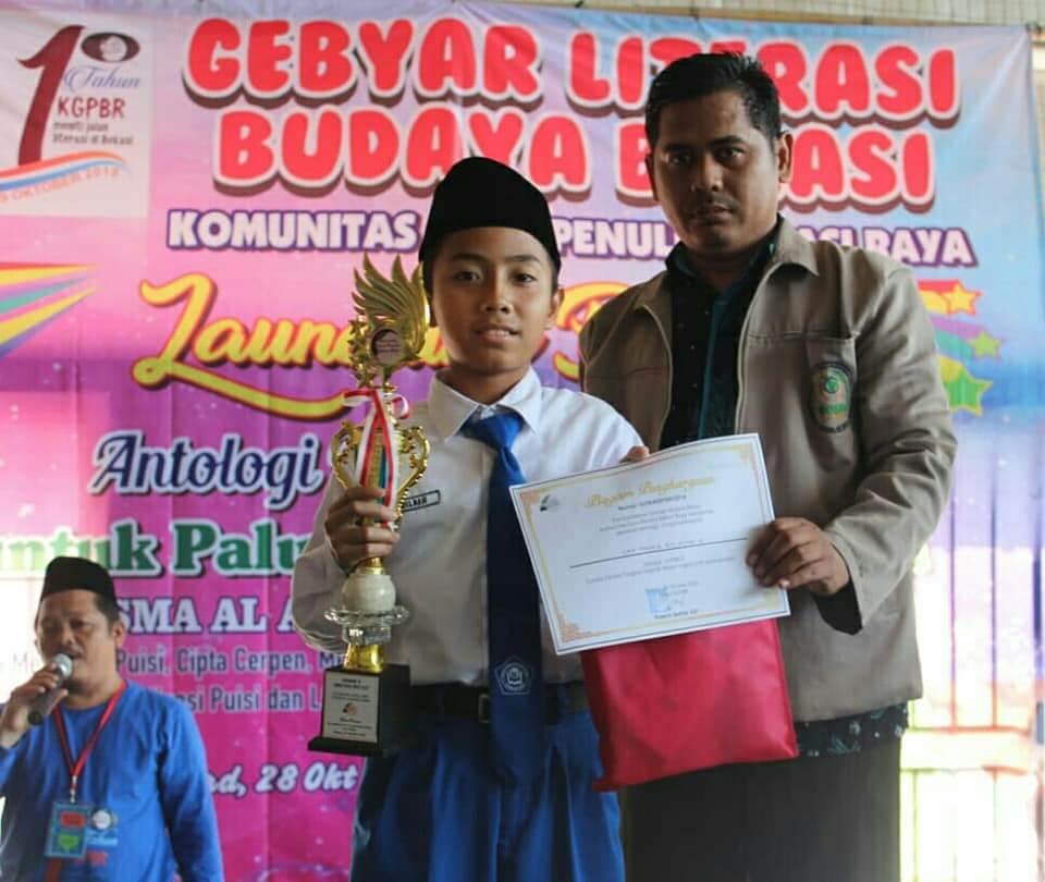 Hafal Sejarah Kabupaten Bekasi, Santri SMPIT Thariq Bin Ziyad Boarding School Meraih Prestasi Juara 1 di Hari Sumpah Pemuda